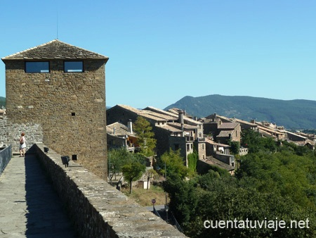 Pueblo con encanto a nsa huesca for Oficina turismo ainsa