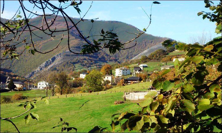 Ruta rutas en coche por fuentes del narcea asturias - Parador de cangas de narcea ...